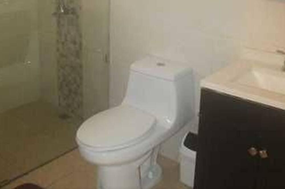 Comfort Apartment, 1 Queen Bed, Non Smoking - Bathroom