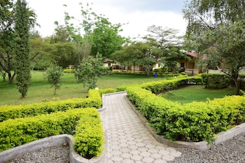 Enter your dates for our Arusha last minute prices
