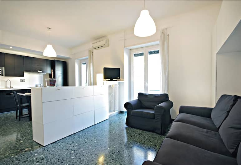 Bright one Bedroom Halldis Apartment With Balcony, Rome, Living Room