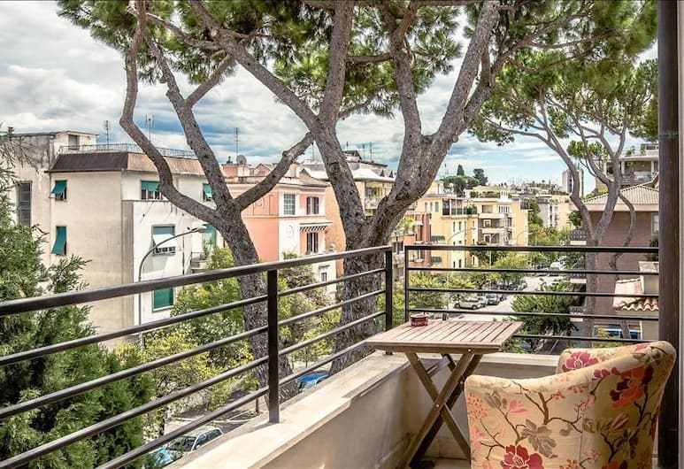 Gorgeous two Bedroom Apartment With 2 Balconies, Rome, Balkon