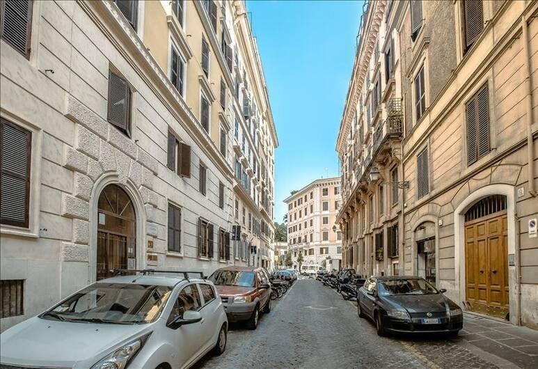 برايت ستوديو إن مونتي دستريكت, Rome, في المنطقة الخارجية
