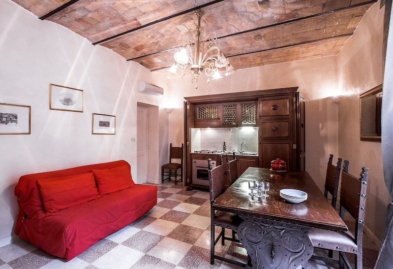 Charming one Bedroom Apartment Close to Vatican, Rome