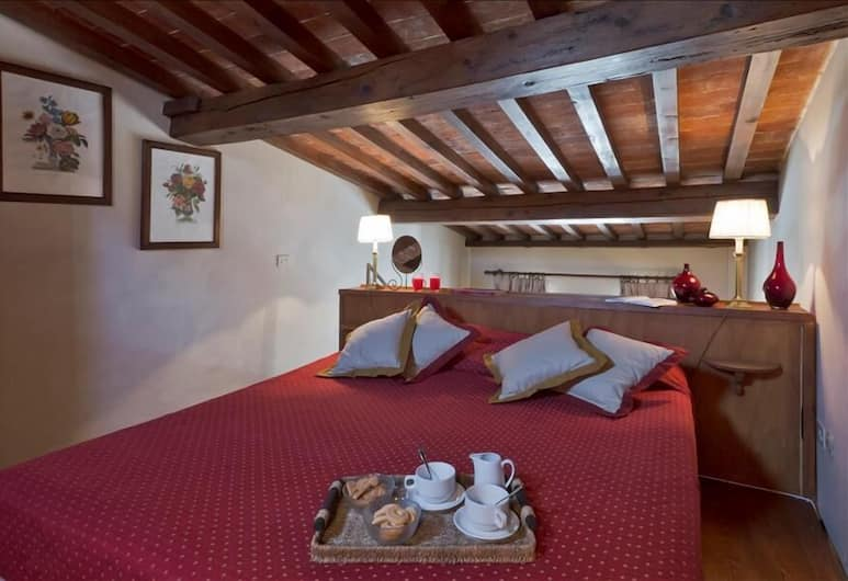 Tiziano - Nice 1 bedroom duplex, close to Ponte Vecchio, Florence, Room