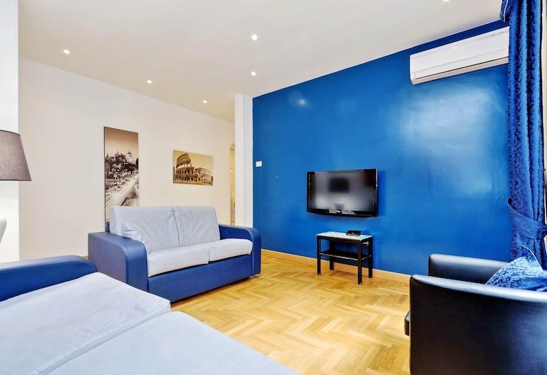 Elegant Halldis two bedroom apartment close to Via Veneto and Villa Borghese, Rome, Apart Daire, Oda
