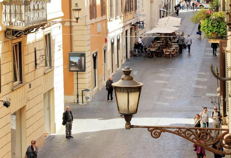 """Spacious and bright Halldis apartment in the very heart of the """"Tridente"""" (centre), Rome, Appartamento, Parco della struttura"""