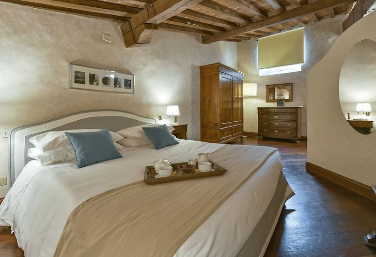 Tiepolo - Warm and intimate studio, nicely located, Florence, Chambre