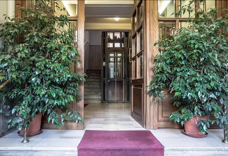 Authentic and artistic Halldis apartment with gorgeous panoramic views, Rome, Esterni