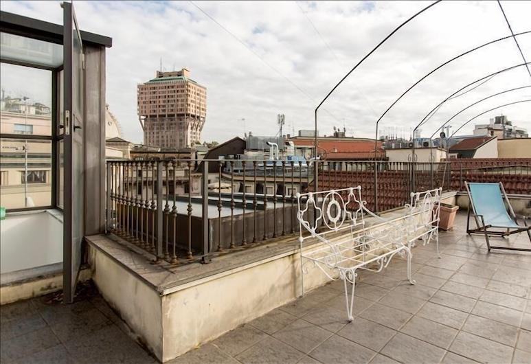 Fieno - Bright & comfortable duplex, double terrace, close to Duomo, Milaan, Balkon