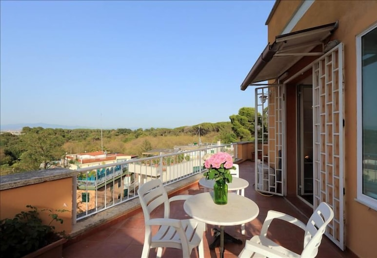 Gorgeous Halldis penthouse with sunny terrace and great view, Rome, Balcon