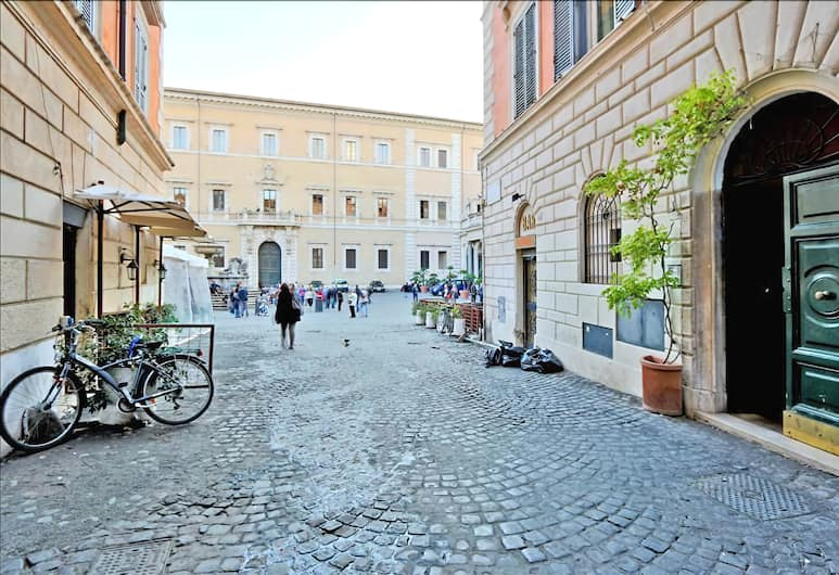 Romantic Halldis studio in the heart of Trastevere with a loft, Rome, Udendørsareal