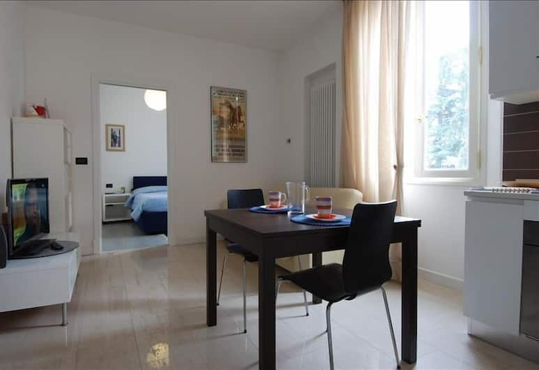 Scalo - Lovely 2 bedroom with balcony, Bologna, Living Room
