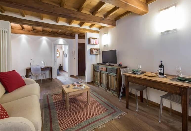 Eros - Bright and cozy one bedroom flat in Florence, Florence, Apartment, Living Room