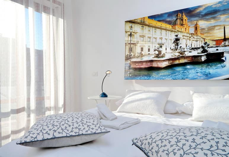 Large and bright Halldis apartment with four bedrooms in the Tuscolano area, Rome, Værelse