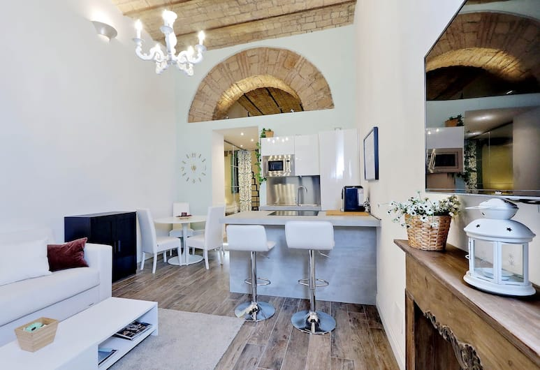 Sweet and cozy Halldis studio in the quiet and green Salario area, Rome, Studiolejlighed, Stue