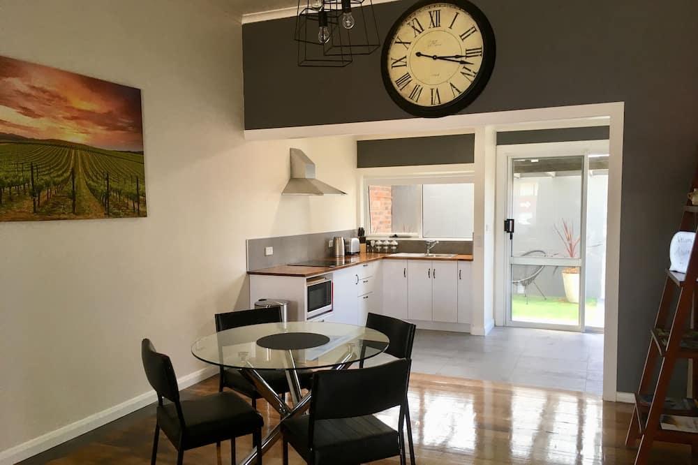 Departamento Confort, 2 habitaciones, para no fumadores - Servicio de comidas en la habitación