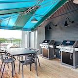 Deluxe Condo, Multiple Beds - Balcony View