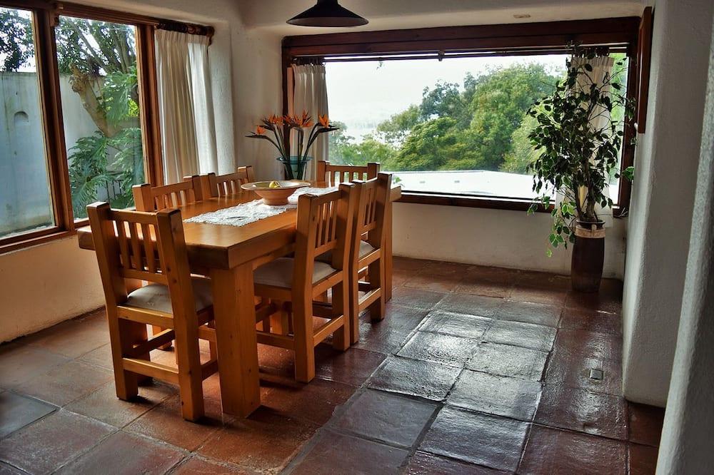 Family Σπίτι, 4 Υπνοδωμάτια - Γεύματα στο δωμάτιο