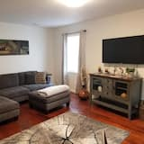 Business & Family Friendly, Close to all Activities and Notre Dame