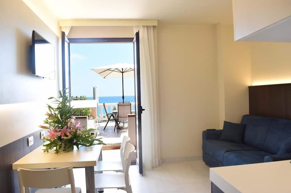 Apartment (108) - Living Room