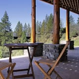 Kamar Single Premier, 1 Tempat Tidur King, non-smoking, pemandangan lembah - Teras/Patio