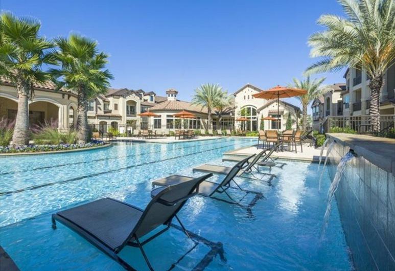 加州大學三藩市分校醫學中心度假村, 侯斯頓, 泳池
