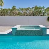 منزل - عدة أسرّة (Dive-In Palm Springs) - مغطس سبا خارجي