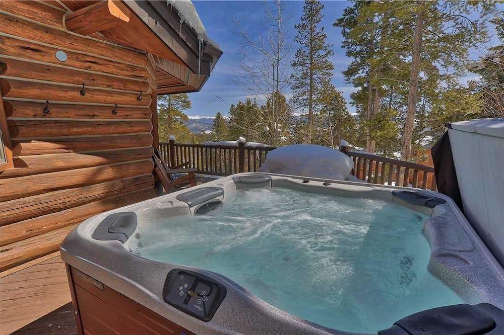 Ferienhaus - Außen-Whirlpool