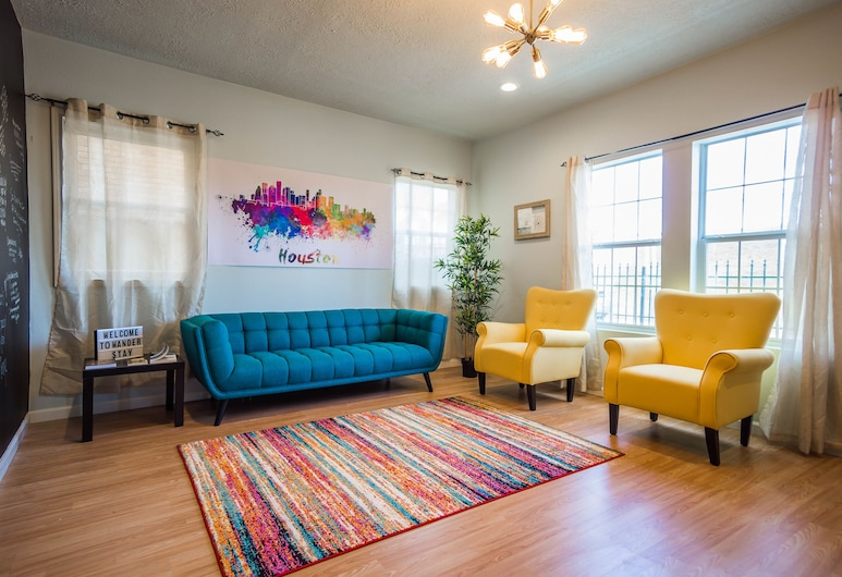 Wanderstay Houston Hostel, Houston, 1 Bed in Houston Sports Team Room (4-Person Shared Dorm), Guest Room