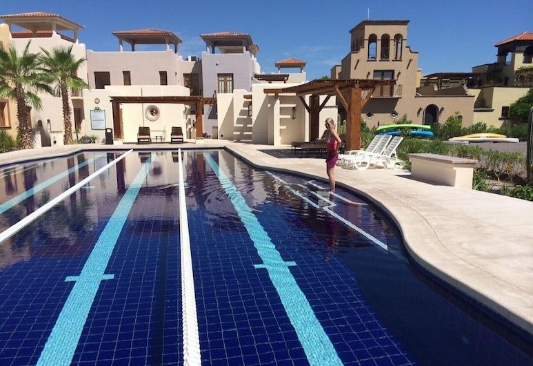 Kunstvoll Eingerichtete Villa nur Wenige Schritte vom Strand und dem Golfplatz in der Bucht von Loreto Entfernt, Loreto, Pool