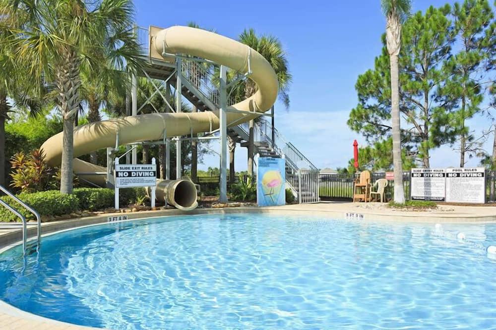 Domek rodzinny, prywatny basen, przy ogrodzie - Basen