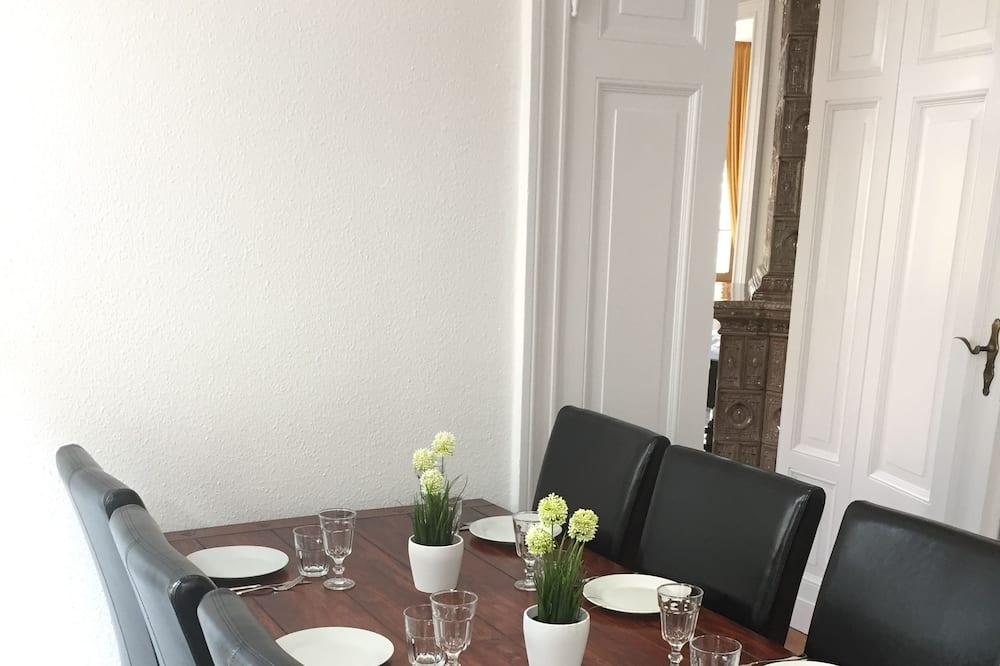 Hús - 2 svefnherbergi - Máltíð í herberginu