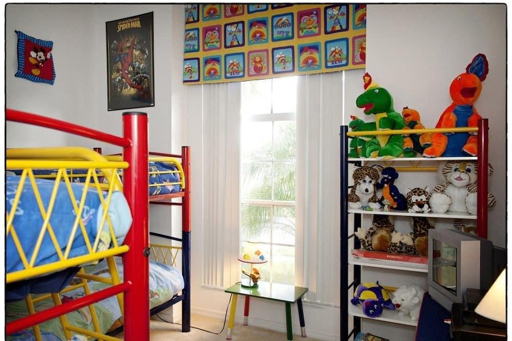 Family Villa, Private Pool, Garden Area - Children's Theme Room
