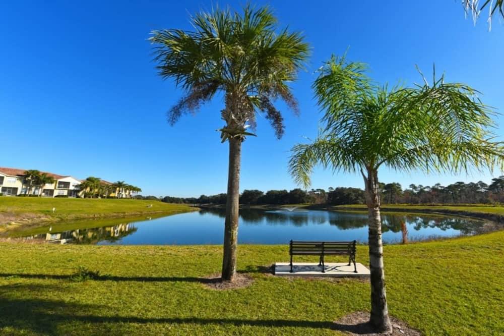 Family Townhome, Garden Area - Lake View