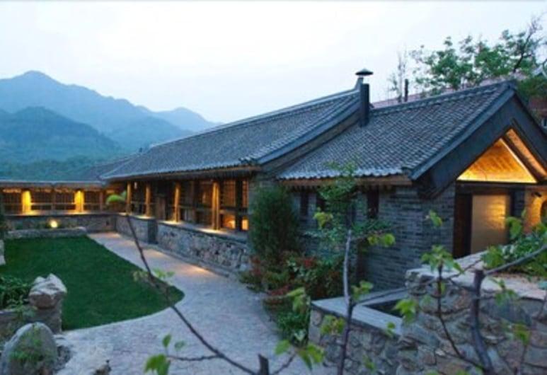 Brickyard Retreat at Mutianyu Great Wall, Huairou, Villa, Chambre