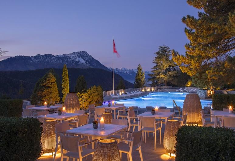 Bürgenstock Hotels & Resort – Palace Hotel, אנטבורגן, בר לצד הבריכה