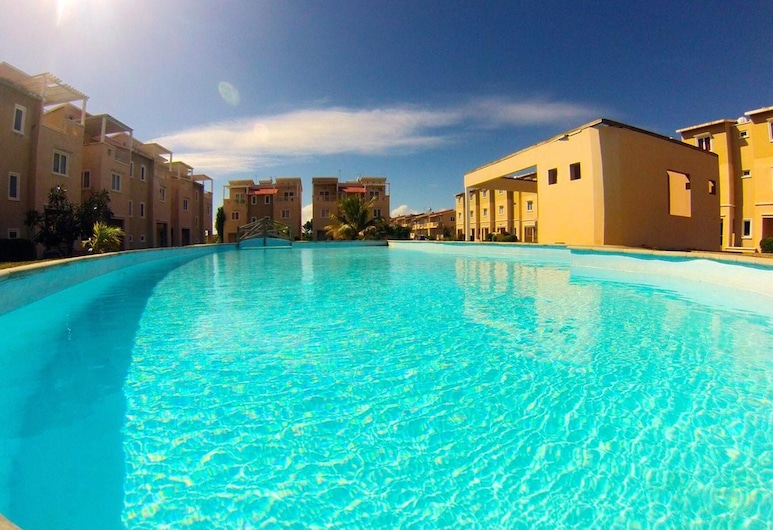 Villa With 2 Bedrooms in Grand Gaube, With Private Pool, Enclosed Garden and Wifi - 800 m From the Beach, Goodlands, Pool