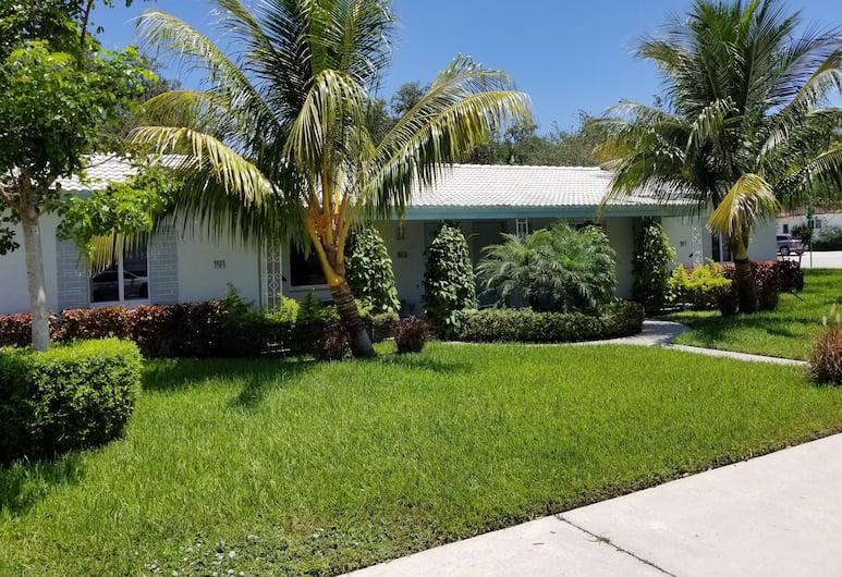 Cottages El Portal, Miami, Bagian depan properti