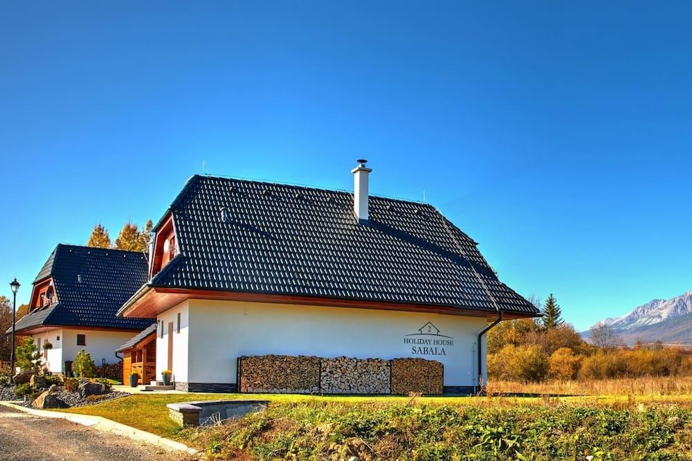 Casa familiar, 2 habitaciones, chimenea, vista a la colina - Vista a la montaña