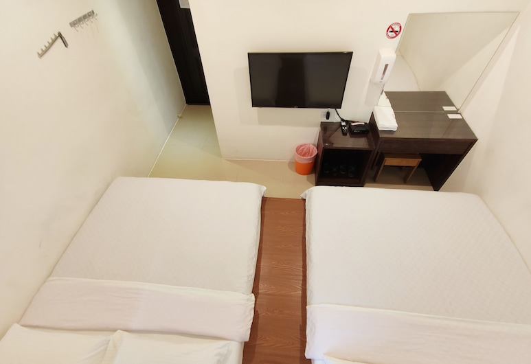 Feng Homestay, Liuqiu, Standard Quadruple Room, 2 Double Beds, Non Smoking, Guest Room