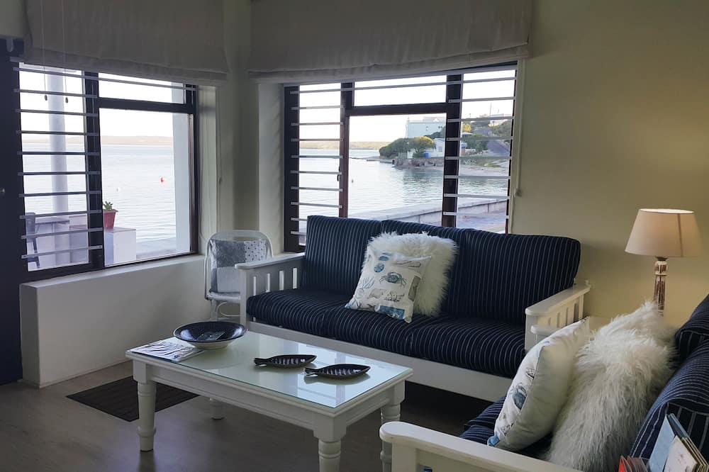 Family Cottage, 2 Bedrooms, Non Smoking - Living Area
