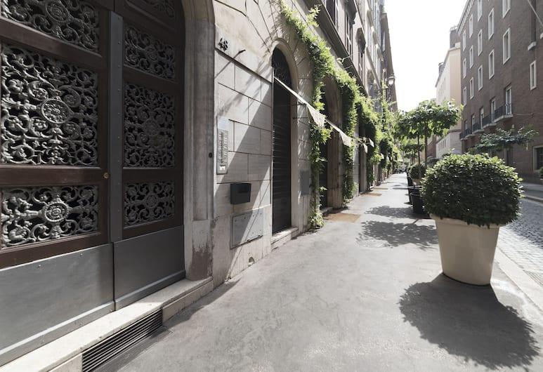 Ara Pacis Elegant Flat, Rome, Ingang van de accommodatie