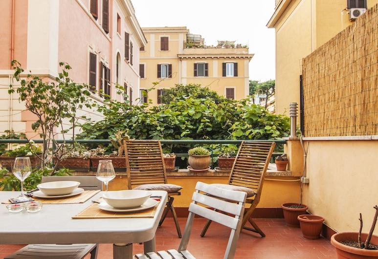 Appio Latino Terrace Apartment, Rome