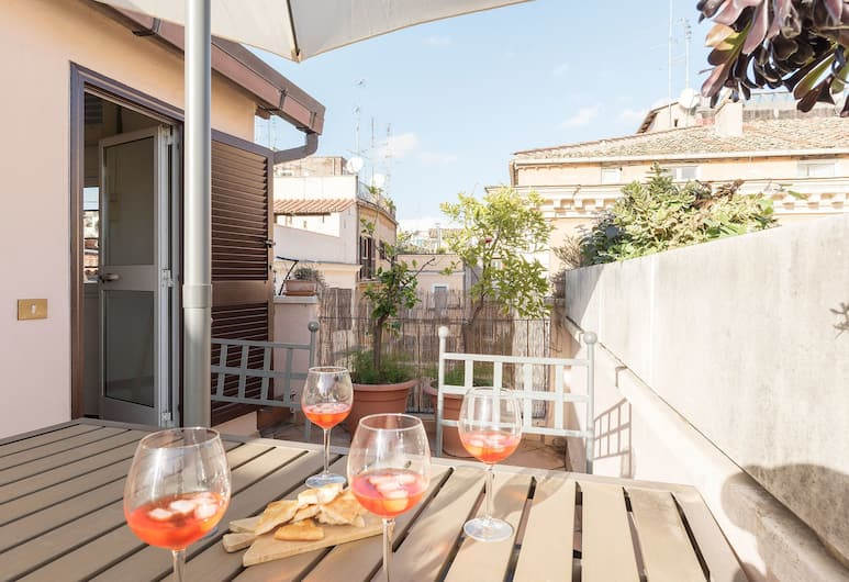 Torre Argentina Penthouse, Rome, Apartment, 2 Bedrooms, Terrace/Patio