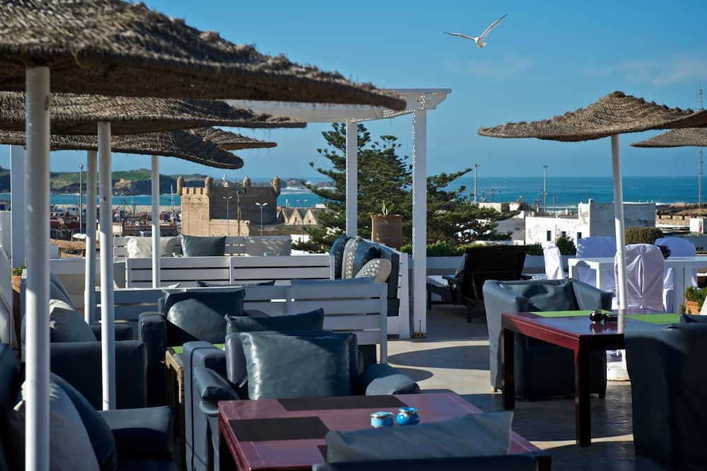 Khu ẩm thực ngoài trời