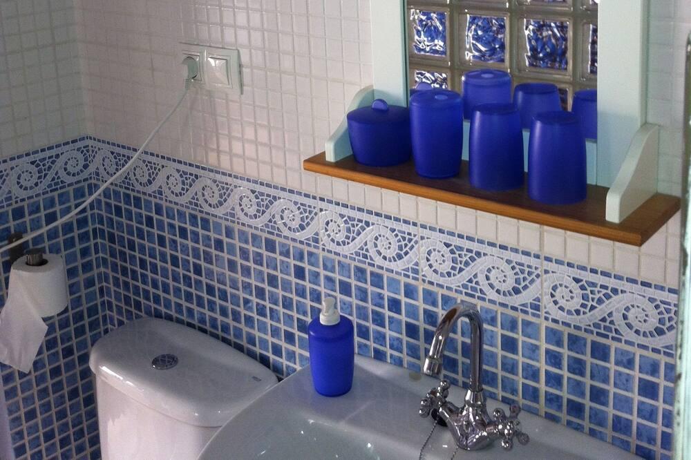 Dvojlôžková izba (Castell) - Kúpeľňa