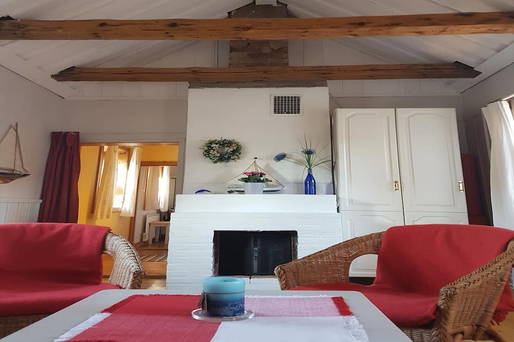 Домик, 1 двуспальная кровать с диваном-кроватью (Archipelago Cottage) - Зона гостиной
