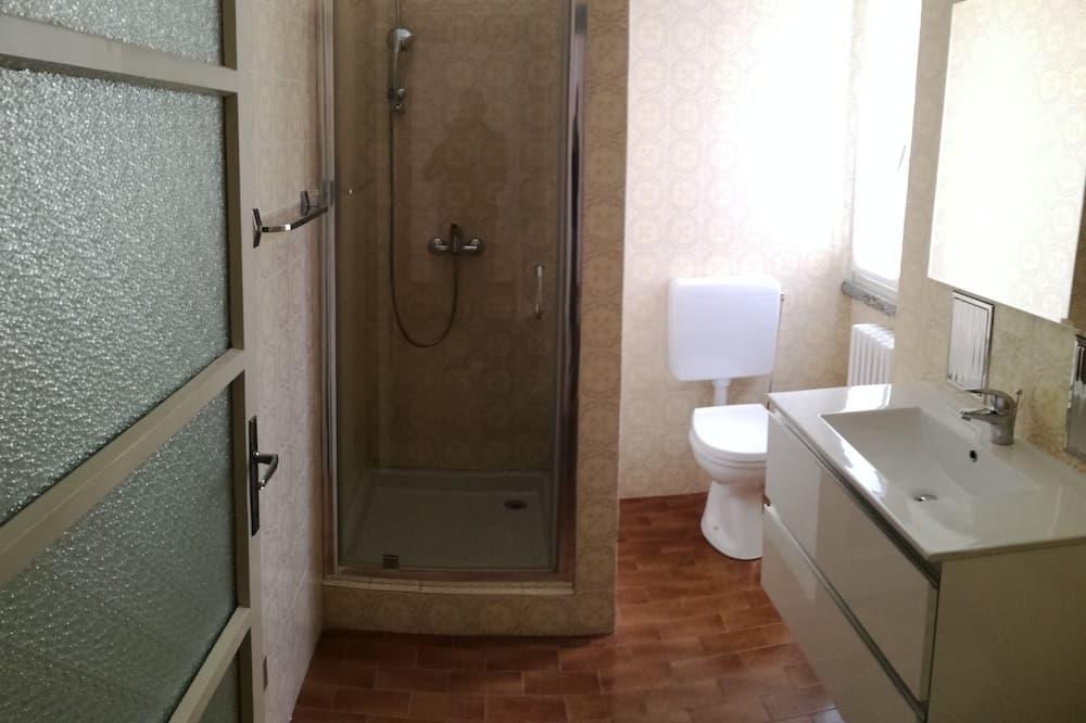 Vila, 2 kupaonice, pogled na jezero - Kupaonica