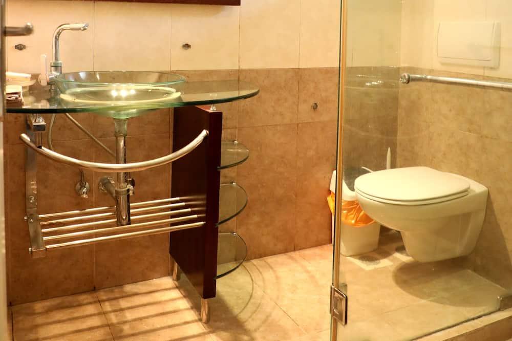Apartamento Comfort, 3 Quartos, Fumadores, Vista Cidade - Casa de banho