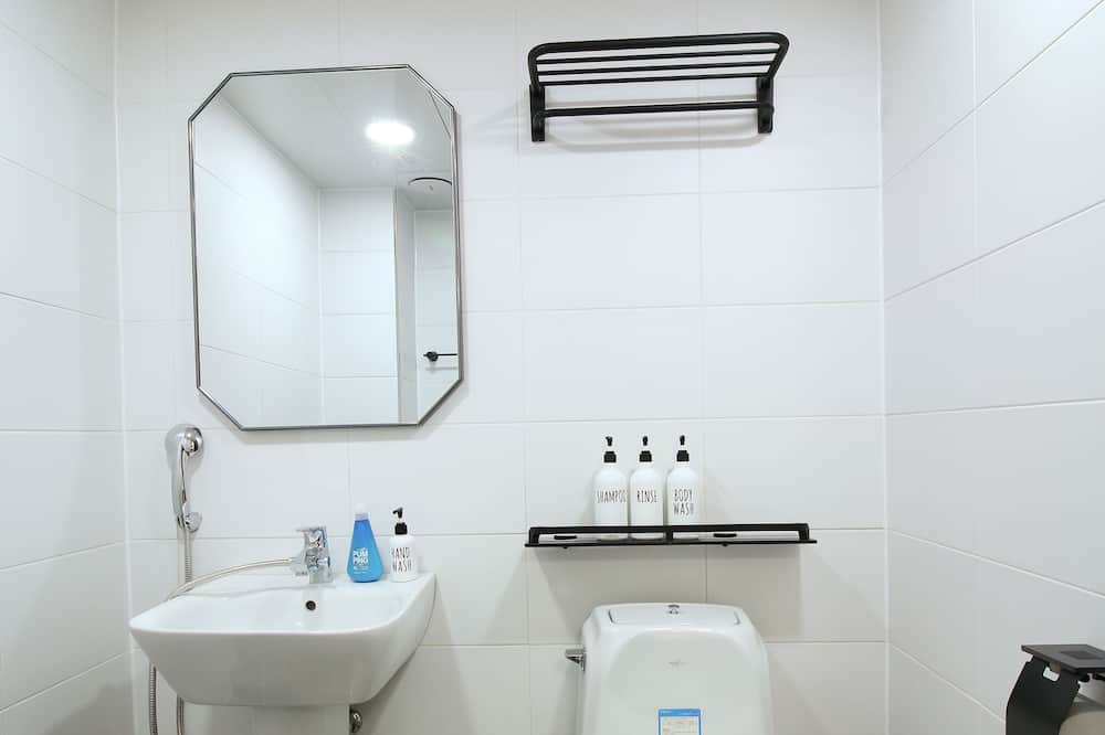 Двомісний номер, з балконом (Foreigner Only) - Ванна кімната