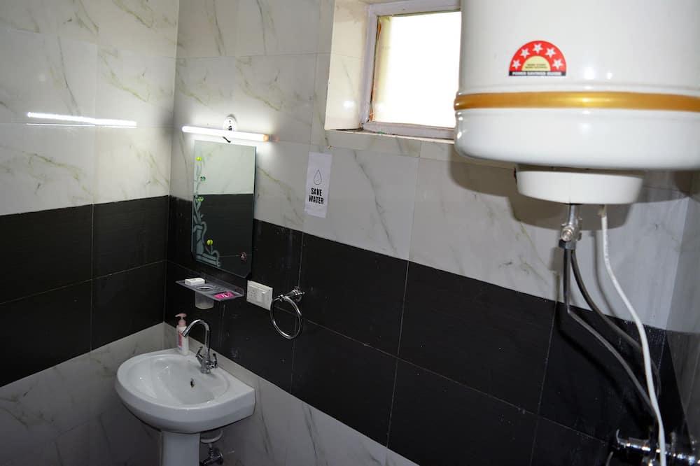 Habitación individual económica - Lavamanos en el baño